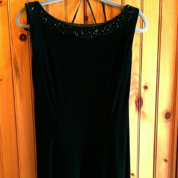 d6bbf1c9051e Jessica Howard Dresses & Skirts - Jessica Howard Black Velvet Godet Gown  Size 16